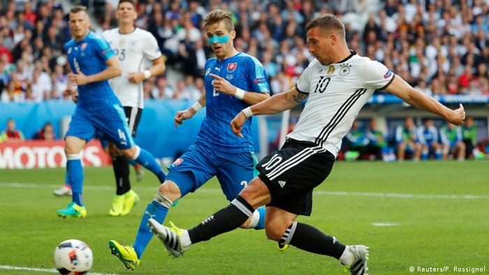 UEFA EURO 2016 - Achtelfinale   Deutschland vs. Slowakei Spielszene Podolski