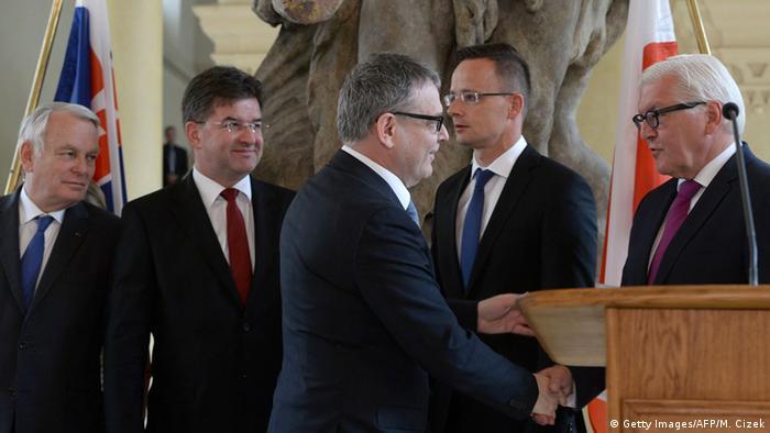 Міністр закордонних справ Німеччини Франк-Вальтер Штайнмаєр (праворуч) і його колеги-міністри з країн Східної Європи