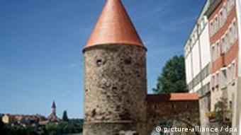 Passau der Schaiblingsturm mit Zolltor