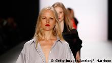 Deutschland Berlin Fashion Week 2016 Modeschau Avelon Erik Frenken