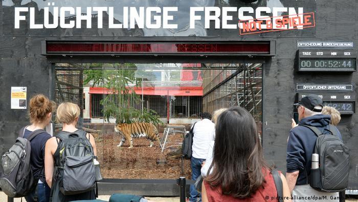 Акция Flüchtlinge fressen, Берлин