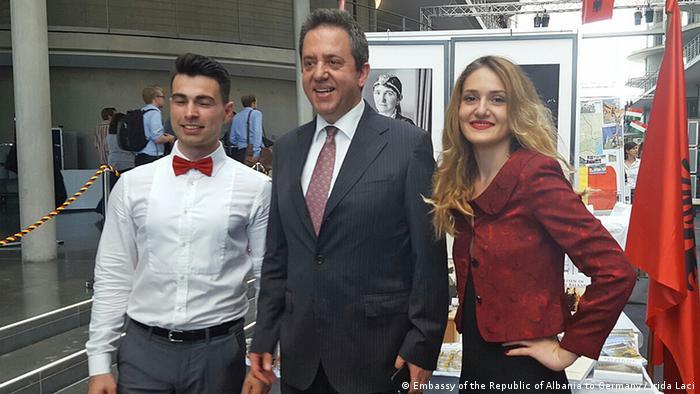 Albanischer Stand IPS Programm Berlin