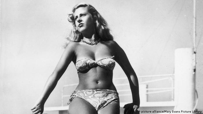 Жінка в бікіні, 1947 рік