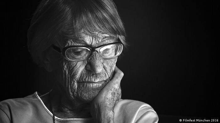 Brunhilde Pomsel, ex-secretária de Goebbels, é protagonista de documentário sobre a era nazista