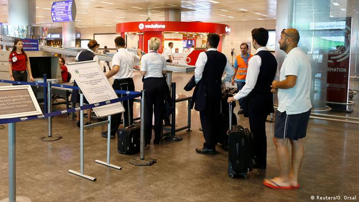 Türkei Anschlag am Flughafen in Istanbul (Reuters/O. Orsal)