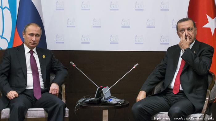 16 Kasım 2015, Antalya. Erdoğan ve Putin, G20 Zirvesi kapsamında bir ikili görüşme yapıyor
