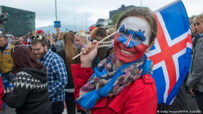 Island EURO 2016 Fußball Fans in Reykjavik (Getty Images/AFP/H. Kolbeins)