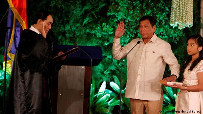 Philippinen Vereidigung des neuen Präsidenten Rodrigo Duterte
