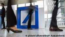 Deutsche Bank logo (picture-alliance/dpa/F. Rumpenhorst)