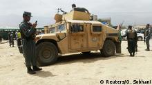 Sicherheitskräfte bewachen den Tatort in den westlichen Vororten Kabuls