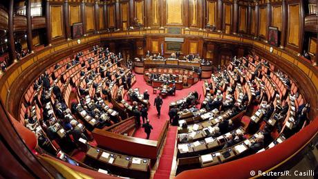 Ιταλία: Βασικό εισόδημα στο προσχέδιο προϋπολογισμού
