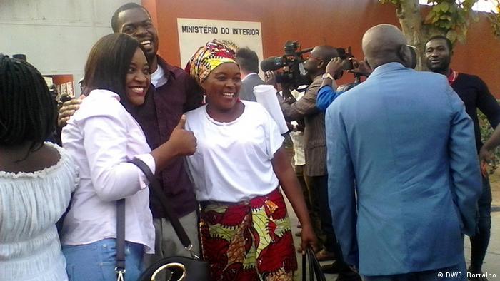 Angola befreite Aktivisten - Hitler Jessy Chivonde & Familie