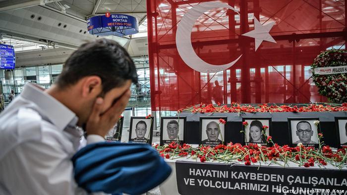 TURQUIA: Terroristas de Estambul planeaban tomar rehenes