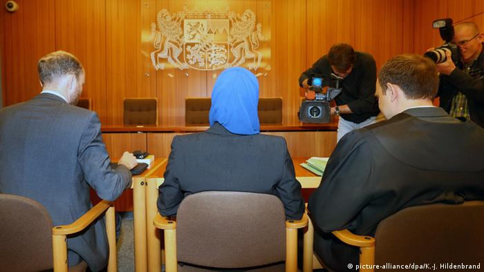 Deutschland Augsburg Rechtsreferendarin klagt gegen verbot eines Kopftuches