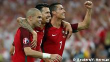 30.6.2016 ++++++++++++ Football Soccer - Poland v Portugal - EURO 2016 - Quarter Final - Stade Velodrome, Marseille, France - 30/6/16 (L-R) Portugal's Pepe, Jose Fonte and Cristiano Ronaldo celebrate after winning the penalty shootout REUTERS/Yves Herman Livepic (c) Reuters/Y. Herman