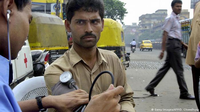 Indien Tag der Mediziner (Getty Images/AFP/D. Chowdhury)