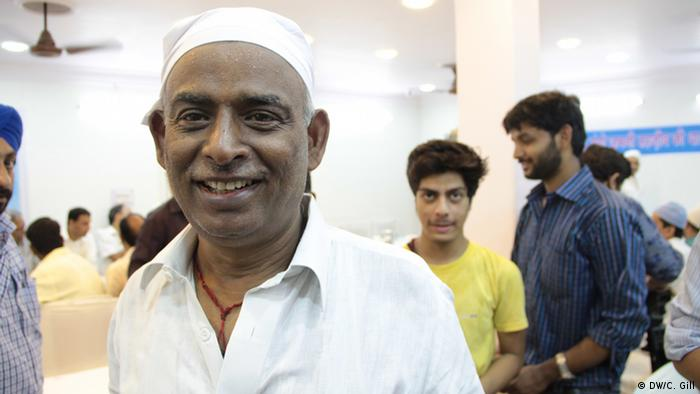 Indien Ramadan-Feier in Alt Delhi Hindus und Muslime feiern gemeinsam Mukesh Kumar