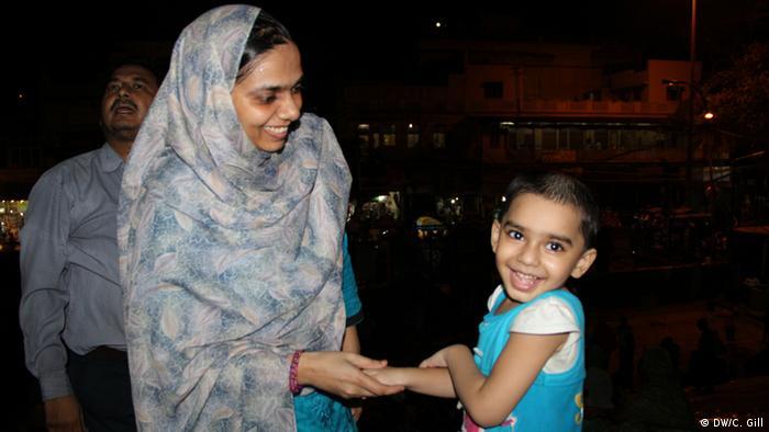 Indien Ramadan-Feier in Alt Delhi Familienfest