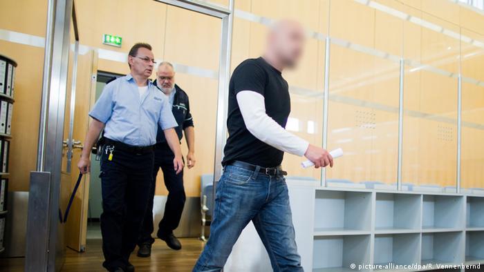 Deutschland Urteil im Prozess Reker Angeklagter Frank S.
