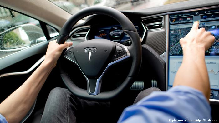 USA Tesla Autopilot (picture alliance/dpa/S. Hoppe)