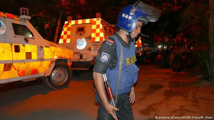 Bangladesch Anschlag Schießerei in Dhaka (picture alliance/ZUMA Press/M. Alam)