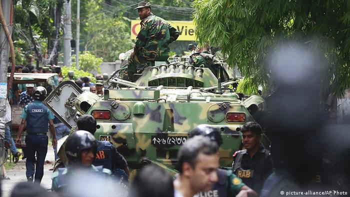 Bangladesch IS-Anschlag in Dhaka (picture-alliance/AP Photo)