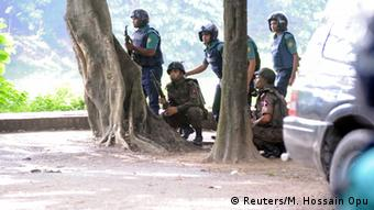 Bangladesh soldiers taking positions near the Holey Artisan cafe