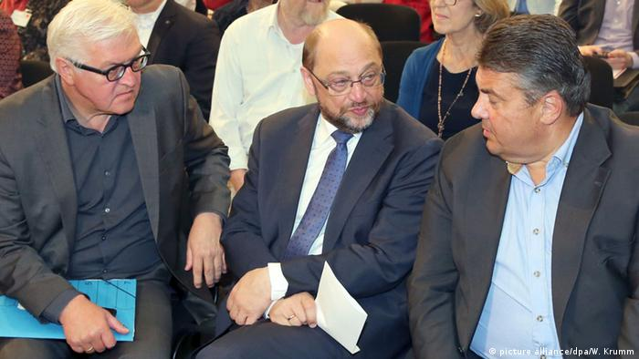 SPD-Regionalkonferenz Berlin Steinmeier, Schulz, Gabriel in Berlin (Foto: picture alliance/dpa/W. Krumm)