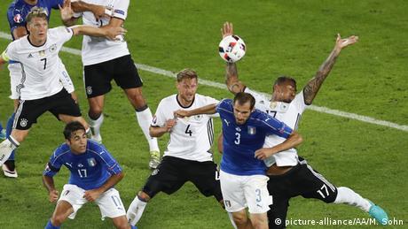 UEFA EURO 2016 Deutschland vs. Italien Handspiel Jérôme Boateng