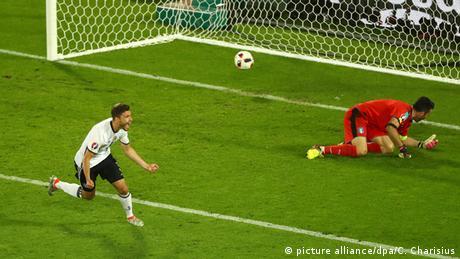 UEFA EURO 2016 Deutschland vs. Italien Elfmeterschießen Jonas Hector Jubel
