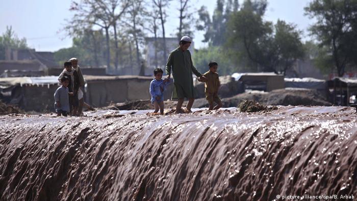 Pakistan Peschawar Überschwemmungen durch starken Regen