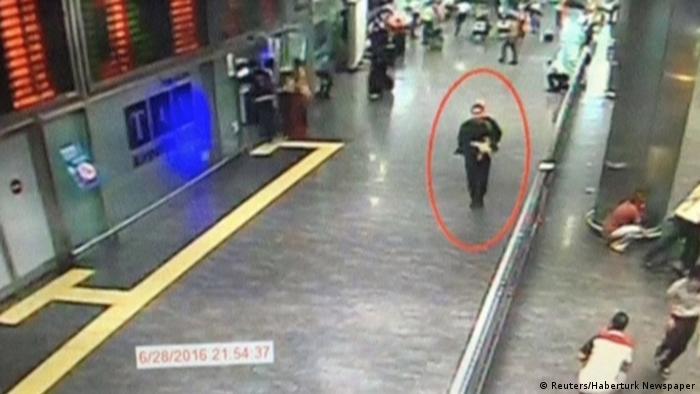 Saldırganlardan birinin video görüntüsü