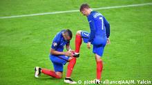 Euro 2016 Frankreich vs Island Griezmann Payet Schuhe putzen