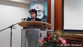 توران همتی مجری و عضو کمیته برگزارکننده سمینار