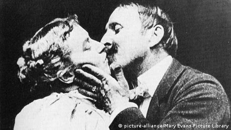 Erster Kinokuss zwischen May Irwin und John C Rice (Quelle: dpa)