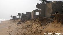 Togo, Straßenbau, Lomé, Erosion, Küste, Klimawandel , zerstörte Gebäude Noël Tadégnon (c) DW/N. Tadégnon