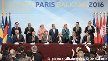 Paris Westbalkan Konferenz Delegationen applaudieren