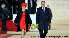 ARCHIV 2010 *** Chinese President state visit - Day One. Prime Minister David Cameron and Home Secretary Theresa May leave following the ceremonial welcome on Horse Guards Parade, London, for the Chinese President on the first day of his state visit to the UK. Picture date: Tuesday October 20, 2015. See PA story ROYAL China. Photo credit should read: Nick Ansell/PA Wire URN:24503342 | © picture-alliance/empics/N. Ansell