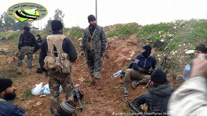 Боевики Джебхат Фатх аш-Шам в Сирии (фото из архива)
