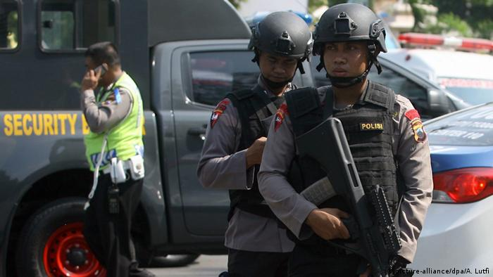 Indonesien Selbstmordanschlag in Jakarta (picture-alliance/dpa/A. Lutfi)