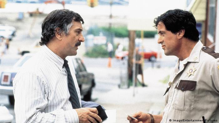 Filmstill aus 'Cop Land' mit Sylvester Stallone.