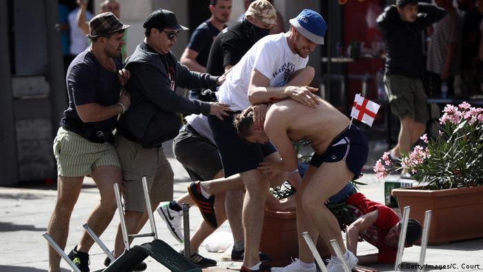 Frankreich Fußball EM Euro 2016 russische Hooligans in Marseille