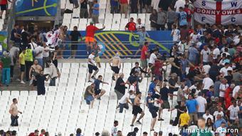 Ρώσοι χούλιγκανς στη Μασσαλία το 2016 στο Ευρωπαϊκό Πρωτάθλημα Ποδοσφαίρου