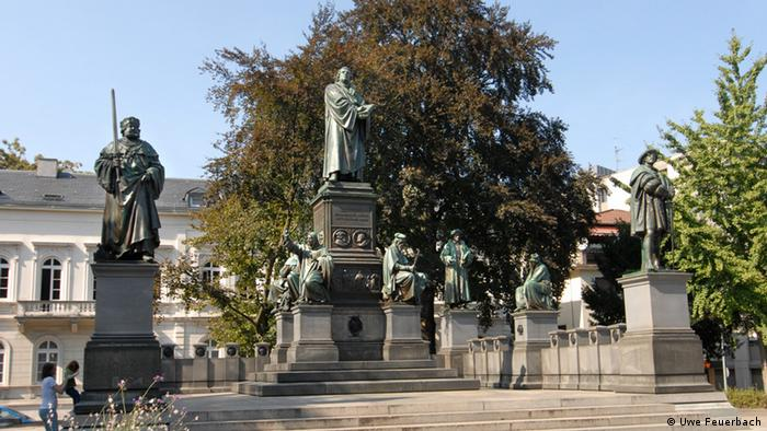 Luther monument in Worms (Uwe Feuerbach)