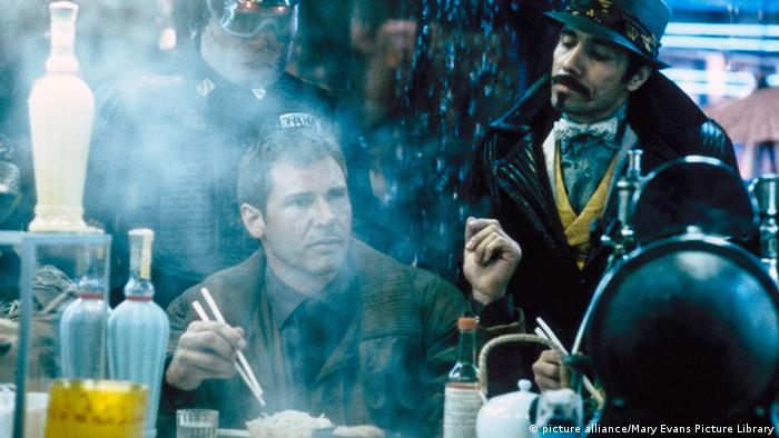 Filmstil Harrison Ford in Blade Runner (Foto: picture alliance/Mary Evans Picture Library)
