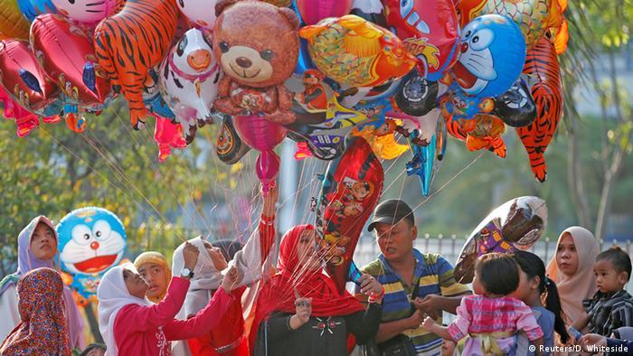Indonesien Jakarta Ramadanfest , Zuckerfest (Reuters/D. Whiteside)