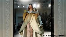 Frankreich Haute Couture Fall/Winter 2016/2017 Kollektion Alexis Mabille
