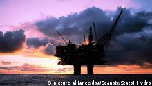 A Norwegian oild platform in the Baltic Sea (picture-alliance/dpa/Scanpix/Statoil Hydro)