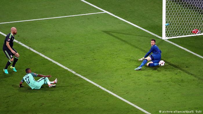 7d9c529135 Euro 2016 Portugal vs Wales Nani Tor. Nani