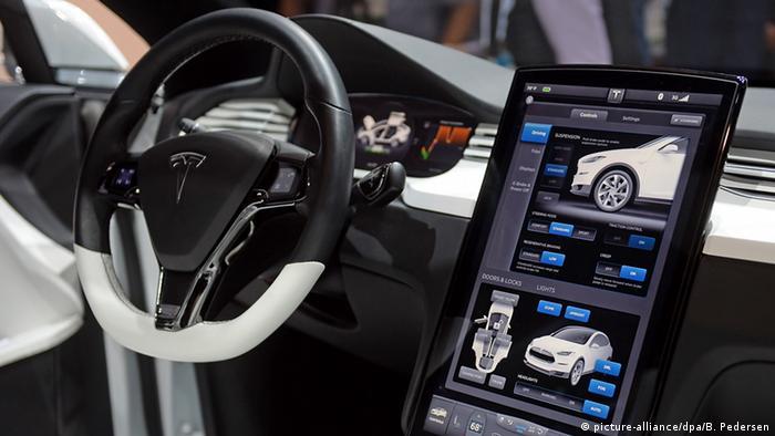 El auto eléctrico de Tesla modelo X